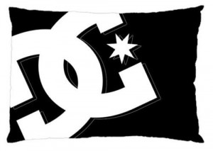 DC Shoes brand logo