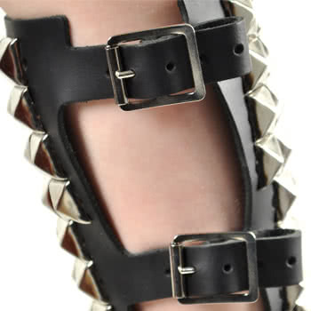 Pyramid Studded Gauntlet Wristband (Black)