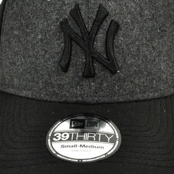 New Era NY Yankees 'Legend' Cap (Black)