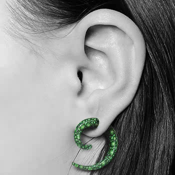 Blue Banana Spiral Ear Stretcher (Green Bubbles)