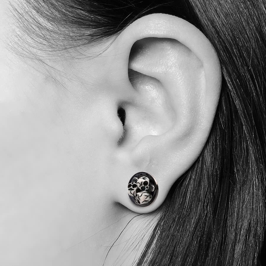 Blue Banana Skull Plug (Black/White)