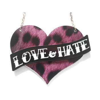 Extreme Largeness Love Hate Design Necklace (Purple)